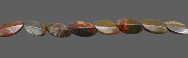 Australischer Bilderjaspis, oval L28 B18 H8mm