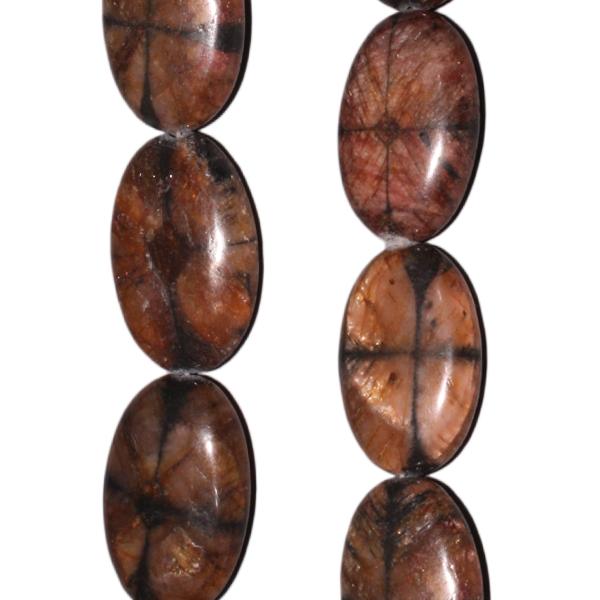 Chiastolith, oval, L27 B18 H9mm, Strang 40cm