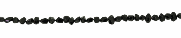 Spinell, Schwarz Nuggets ca. L13 B7mm
