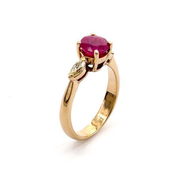 Rubin Diamant Navette Ring
